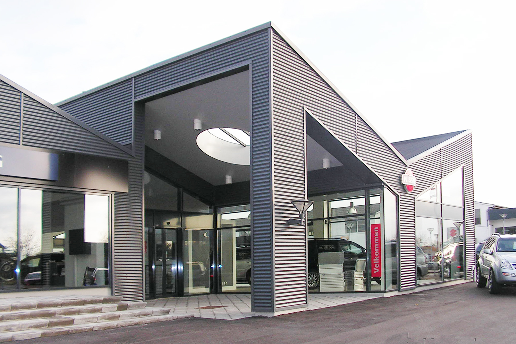 Nissan 3.2.jpg