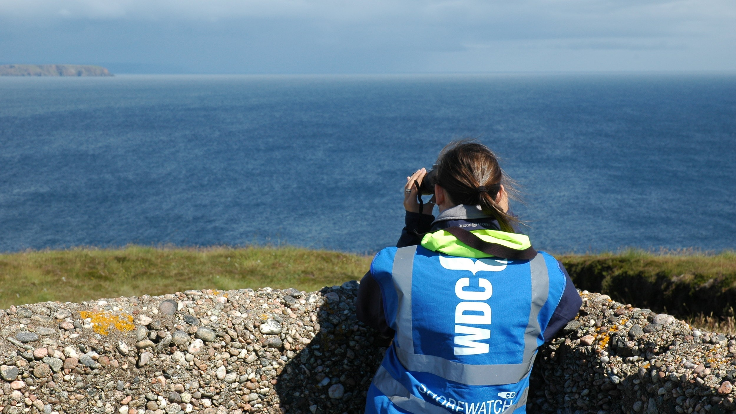Join in! - It's well known just how incredible Tiumpan Head is for watching whales and dolphins, so its no surprise you will often find good company while watching from here. Volunteers for the WDC Shorewatch programme regularly monitor the seas from here. They are a knowledgeable and friendly bunch out spotting from atop the hill, so pop up and say hello. To hear more about their amazing sightings, have a look at their Facebook group Tiumpan Head Watchers.Image © WDC