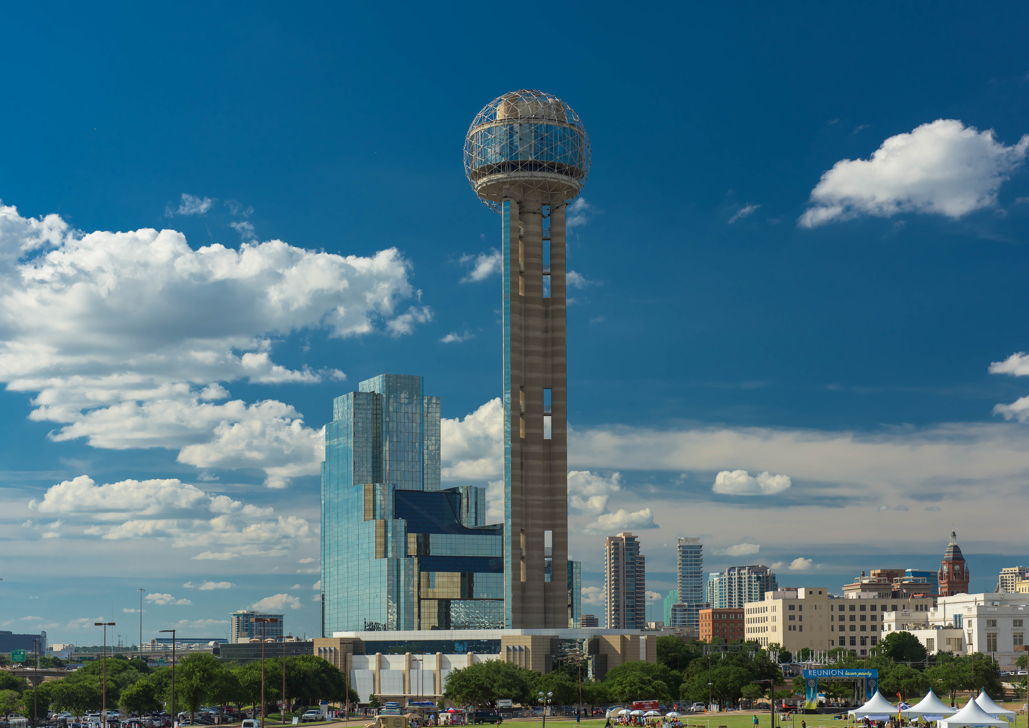 dallas-tourist-attractions-reunion-tower.jpg