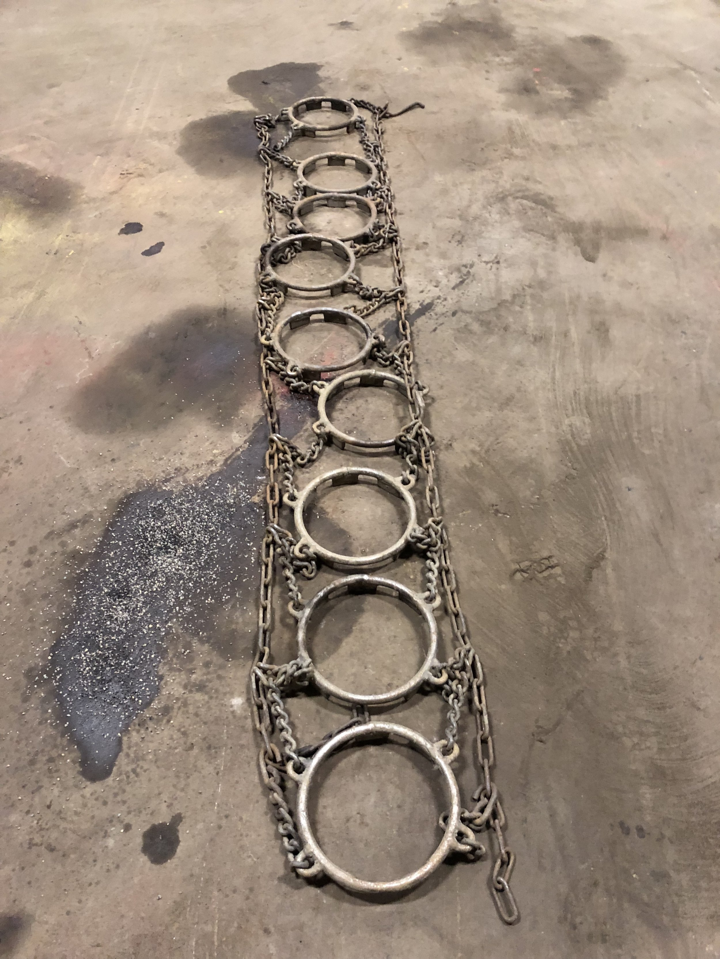 Tractor Chains1 set HD tire chains fit 28 inches wide x 172 in long,Asking: $40010 other sets to pick from,Call for sizes and prices. -