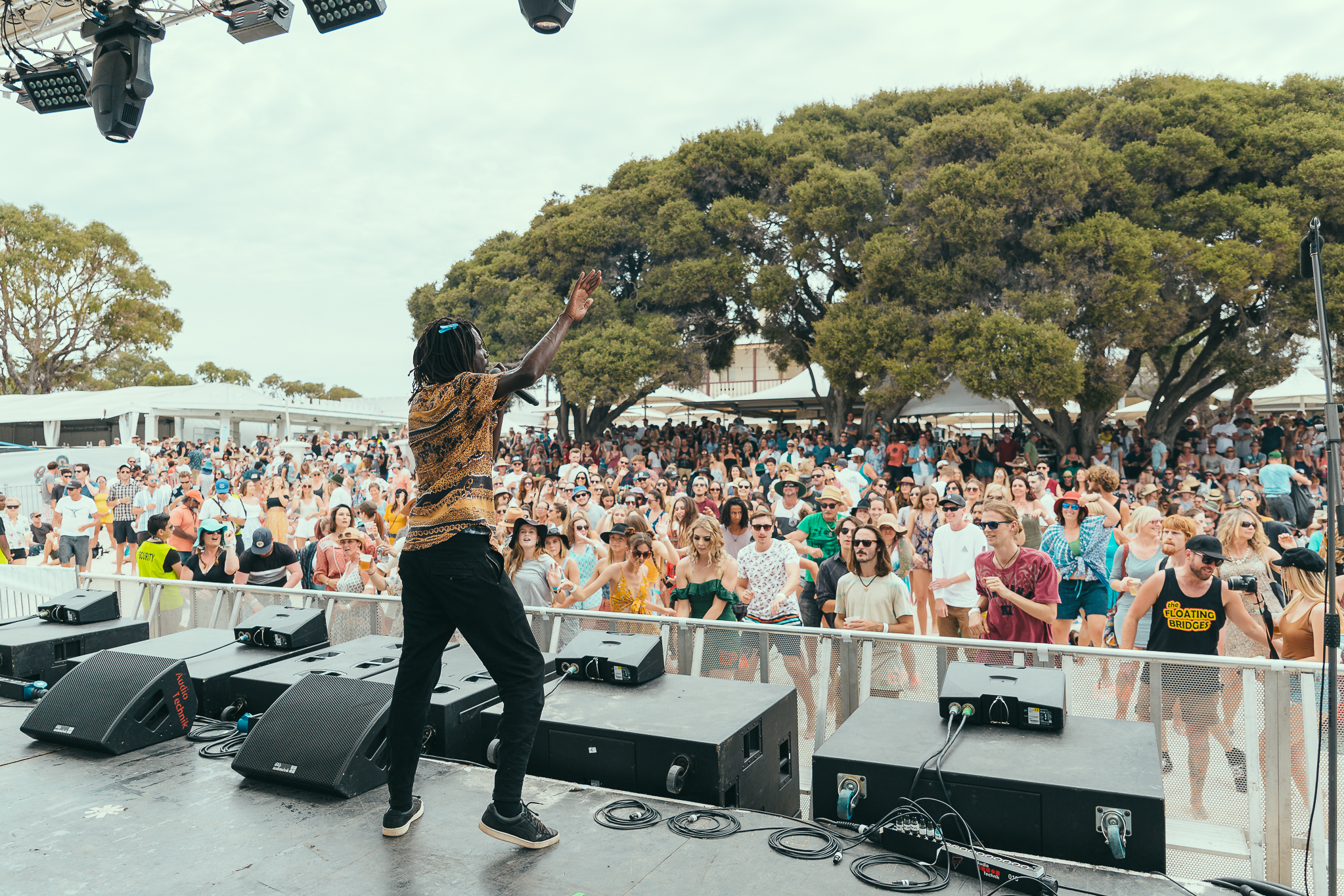 rottnest crowd 2.jpg