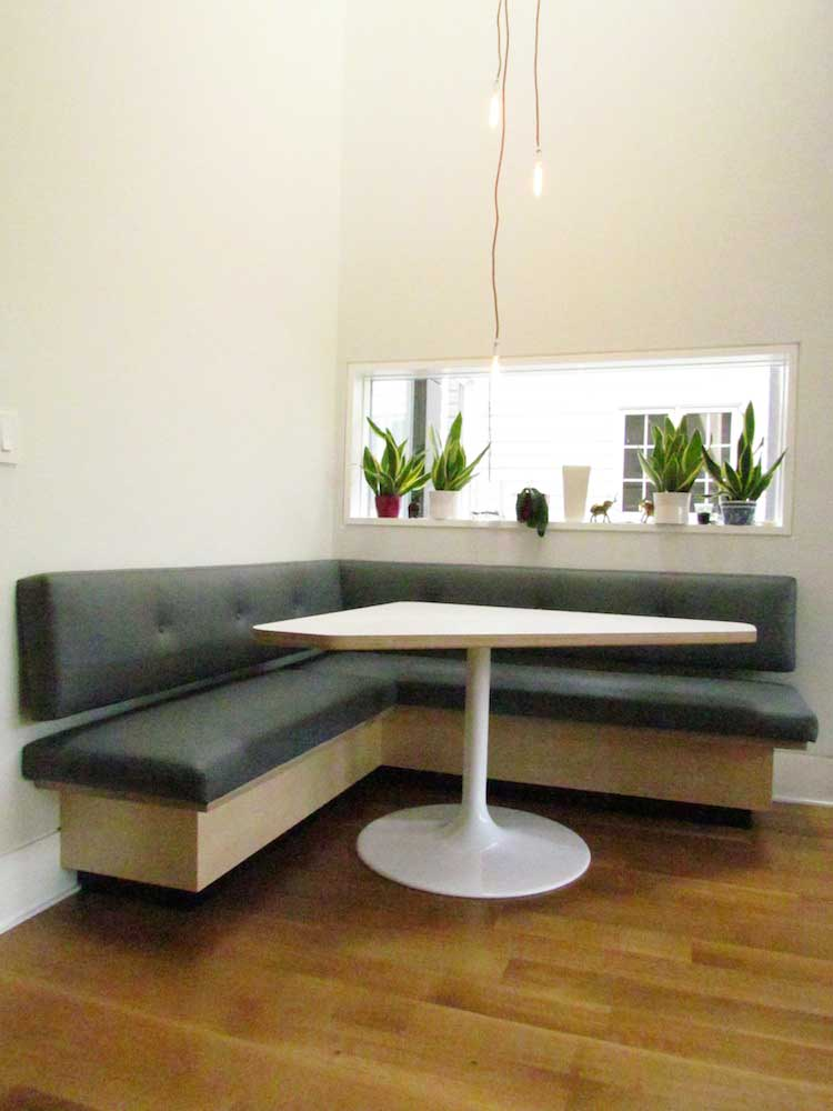 12_banquette-w-table-Riverdale.jpg