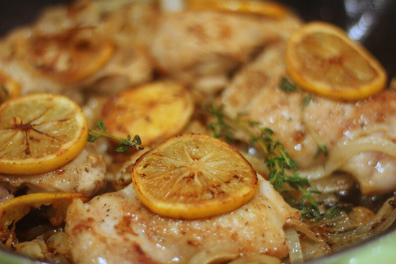 A beautiful lemon thyme chicken by Foodista (on Flickr).