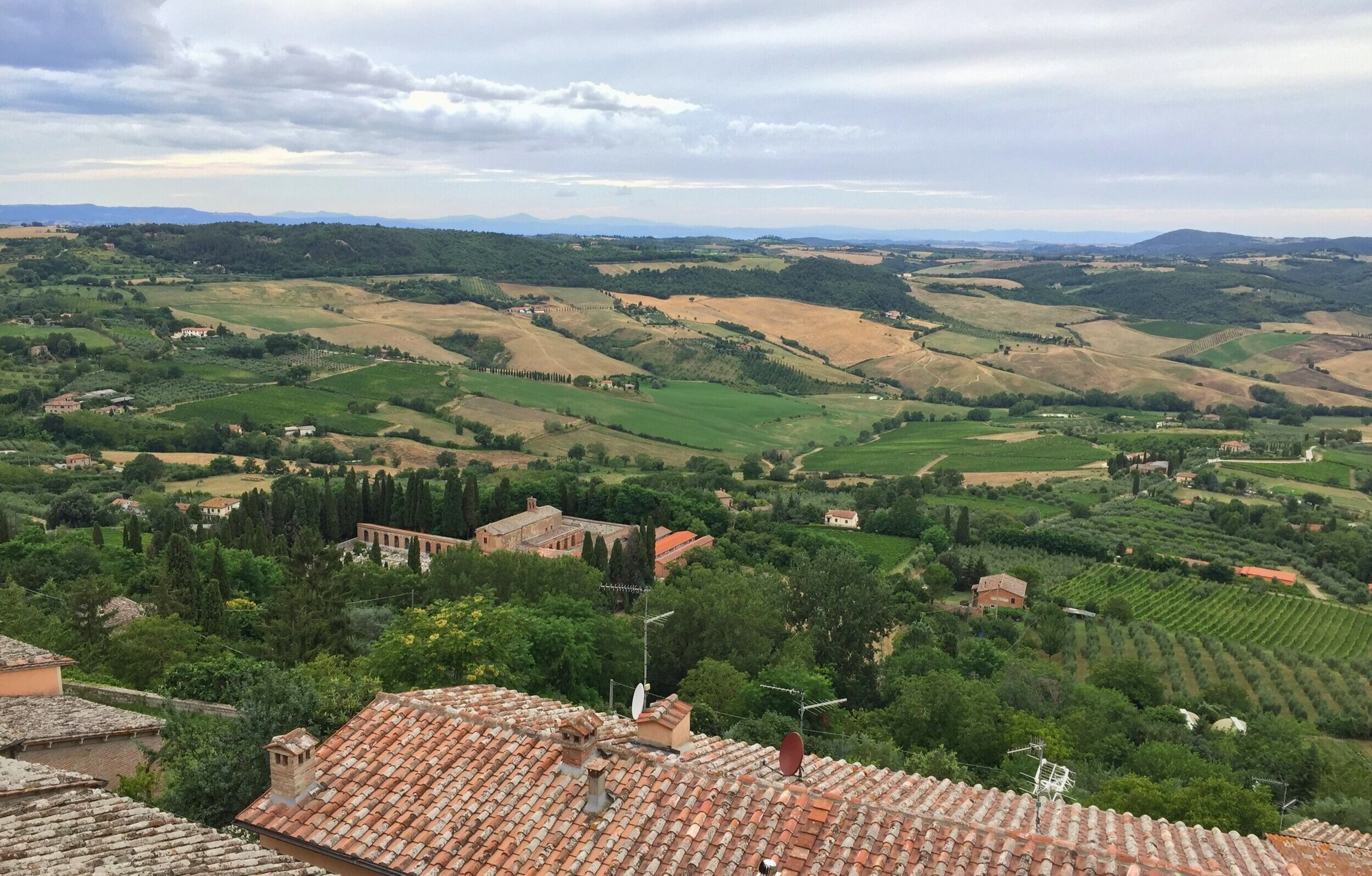 The bucolic view of Montalcino, Tuscany (photo by Breno Salvador, July 2016)