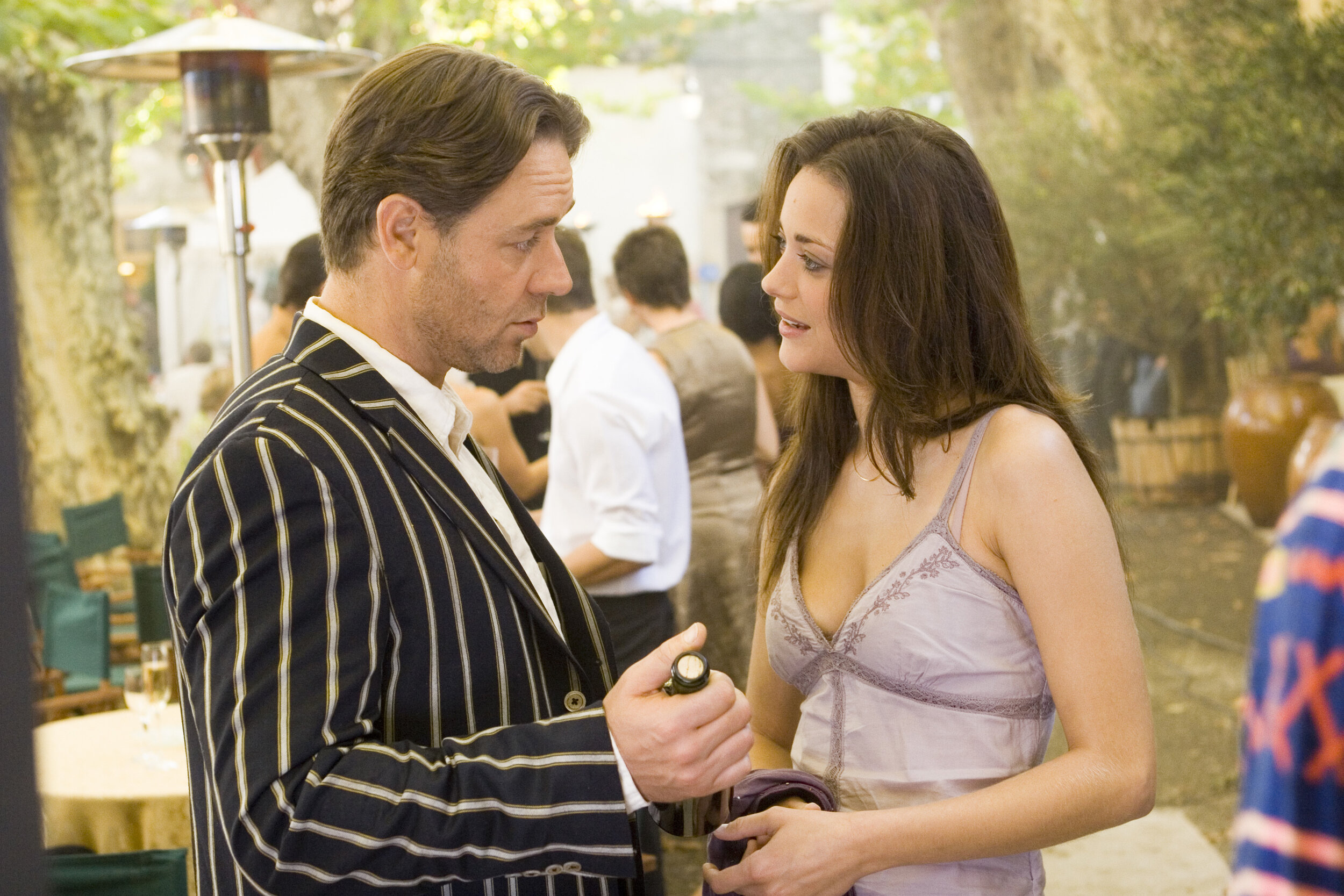 Russell Crowe and Marion Cotillard in 'A Good Year', based on the homonymous novel by Peter Mayle
