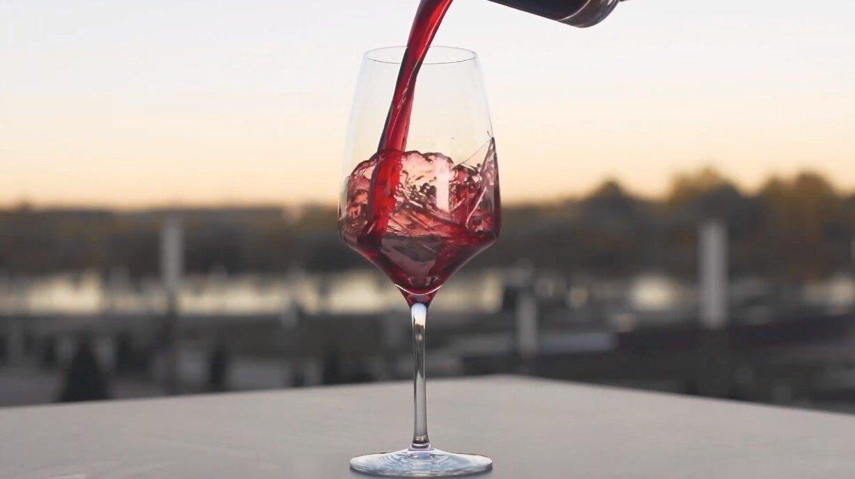 The finest and rarest Bordeaux wines: a series by Julien Miquel
