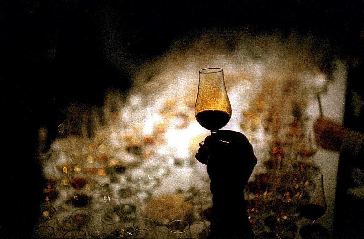 moscatel dessert wine fortified serving publico.jpg