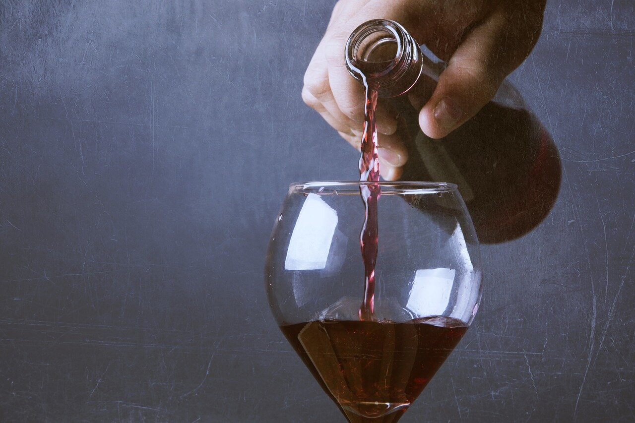 Facts and myths about the health benefits of wine