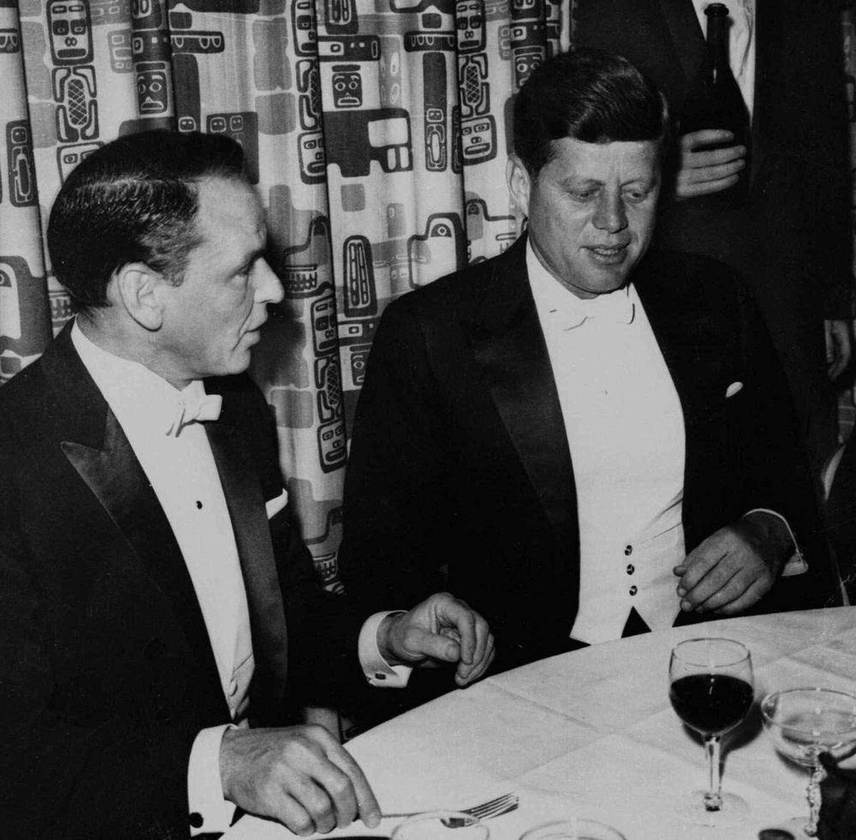 Frank Sinatra and JFK enjoyed wine and talks  (GAB Archive)