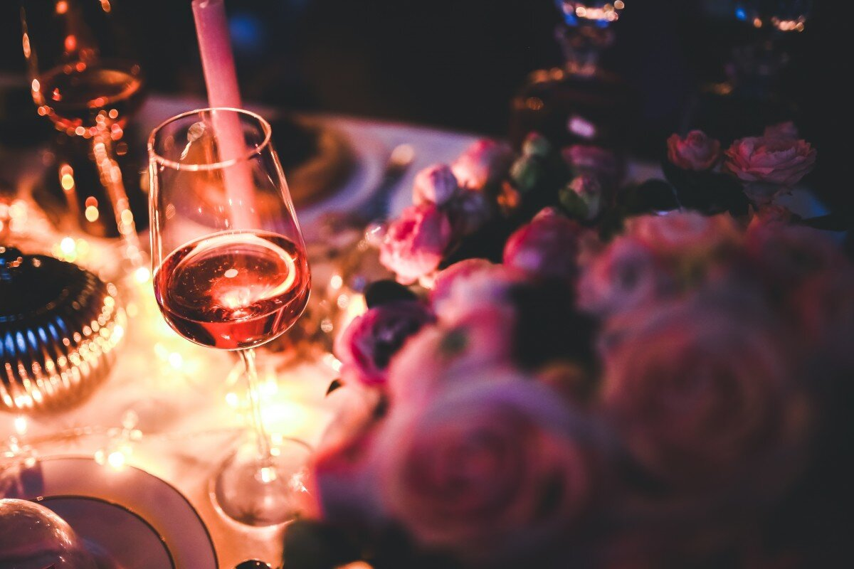 wine_rose_alcohol_party_single_evening_night_pink-1325904.jpg