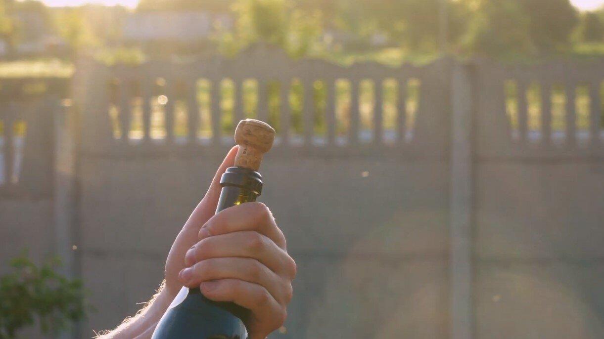 julien champagne 1.jpg
