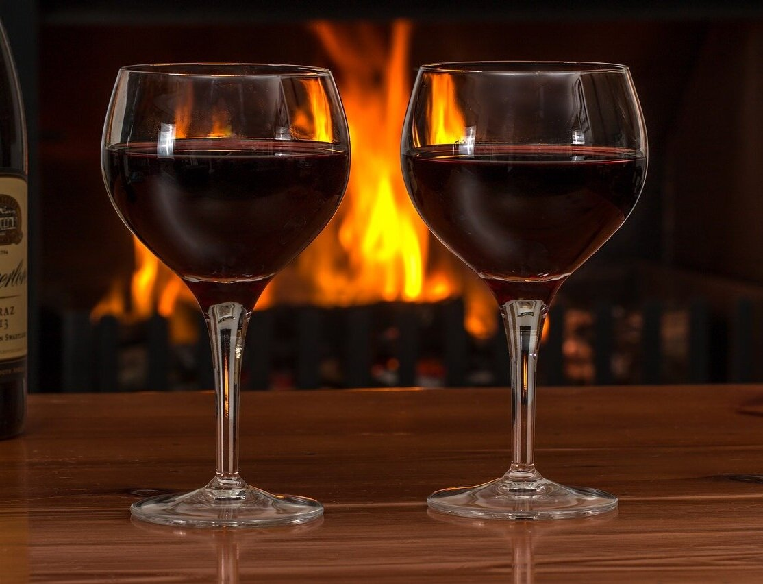 red+wine+2443699_1280+fire.jpg