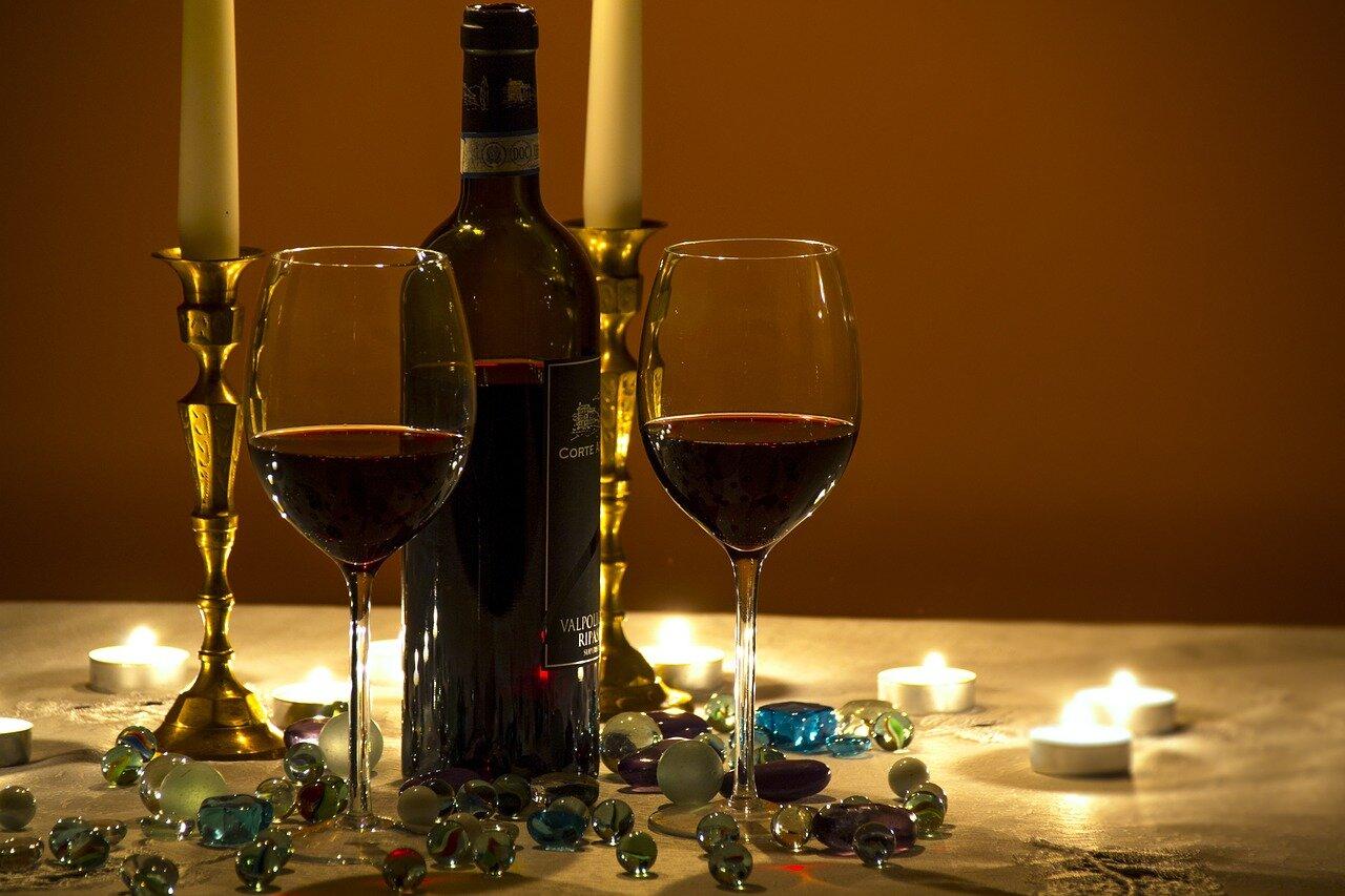 valentines romantic dinner wine.jpg
