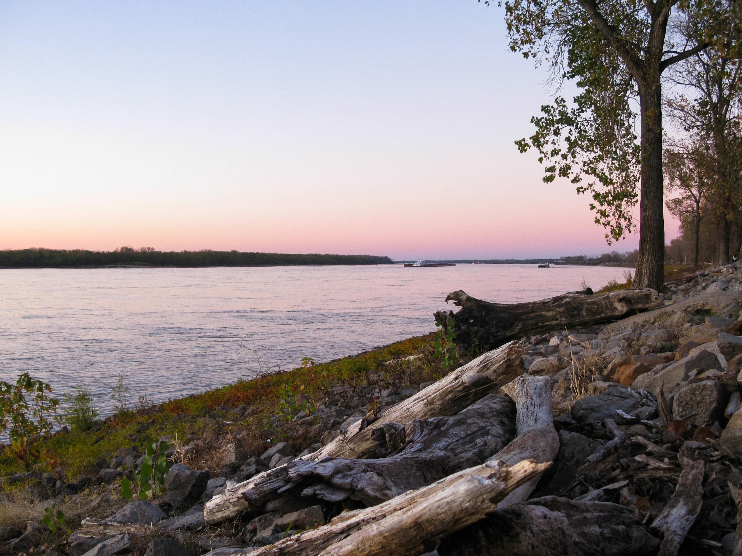 Memphis Mississippi River sunset.jpeg