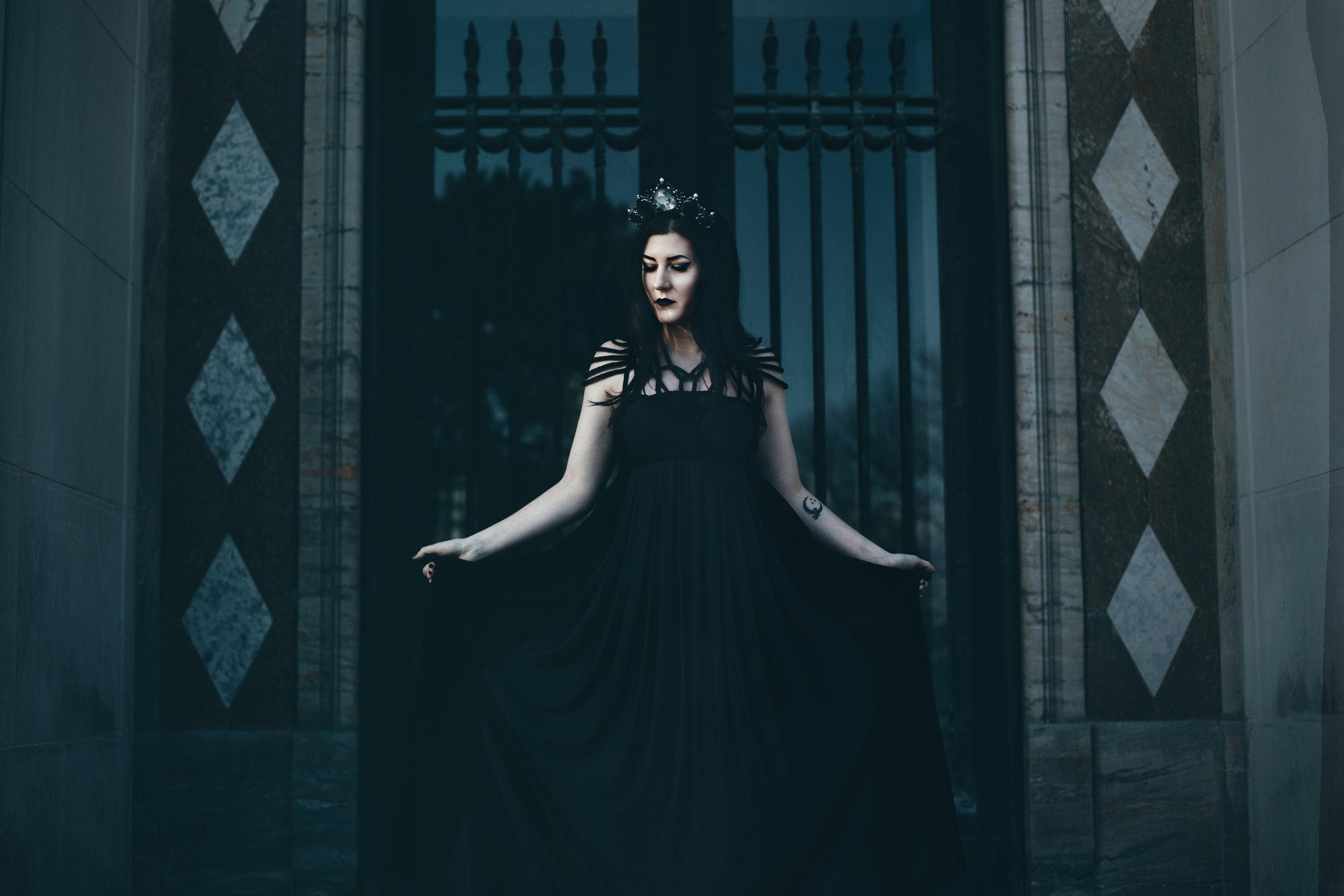 Lindsay • 6-DarkEdit.jpg