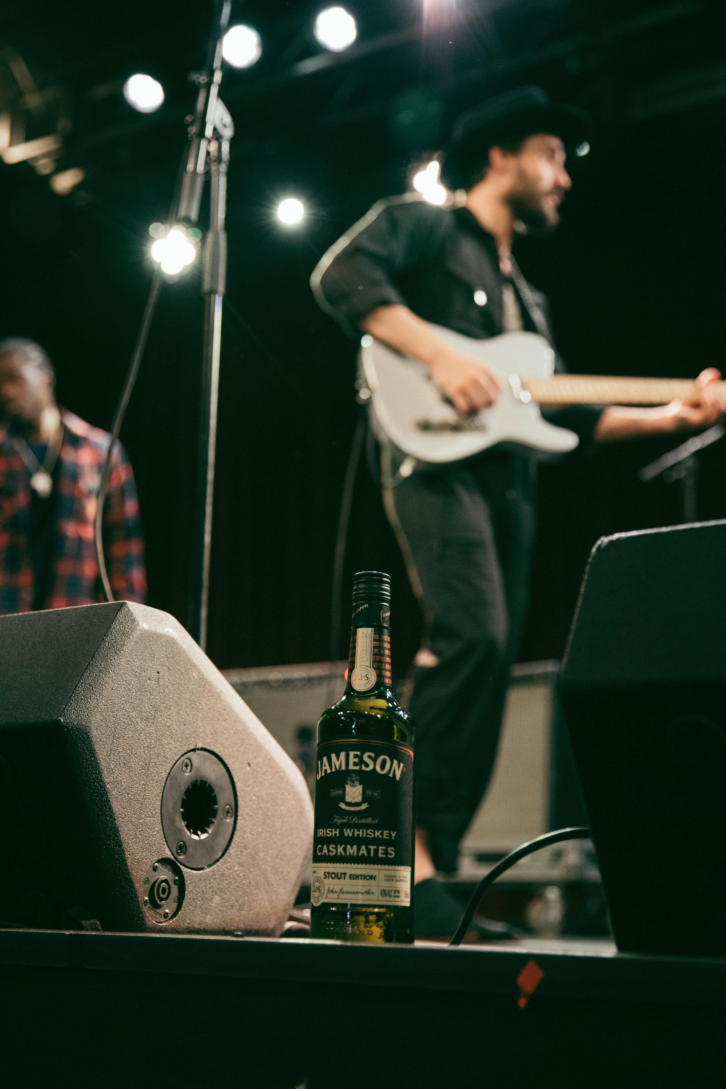 JOrig-Music-Seattle-BlockParty-Robert-Performing-0441.jpg