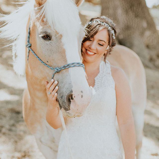 Hannah and Larry's GORGEOUS rustic Western wedding at Alisal Guest Ranch is on the blog tonight! Link in bio! 😊Normally I don't make such a long blog post, but there were so many incredible moments from this wedding that I just had to share them all!  Hannah and Larry met when they were both working as wranglers at the ranch, then they found themselves tying the knot back at that very ranch 8 years later. What am amazing love story! This day felt like stepping back in time, with old adobe houses, cowboy hats and boots for days, porch swings, and of course, BEAUTIFUL horses! The people who gathered to witness the love of Hannah and Larry made this day so memorable. Such an amazing vibe from everyone and I've been in the mood to watch old western movies ever since! 😂  Here's to the amazing vendors who made this wedding happen:  Venue: @alisalguestranch  DJ: @voxdjs  Florals: The bride!! @bananashandy  Videography: @likealetter  Hair/MUA: @spaelan 