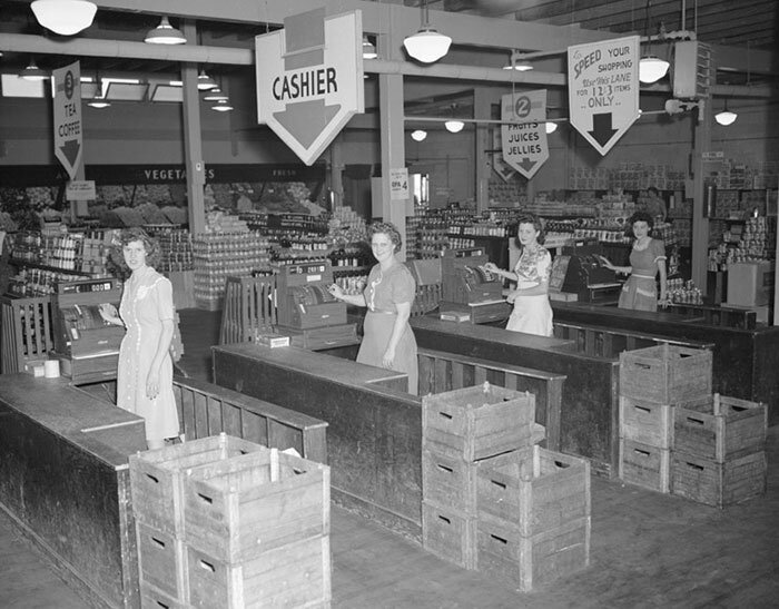 vintage-grocery-stores-usa-old-pictures-7-5b31f7a403d9c__700.jpg