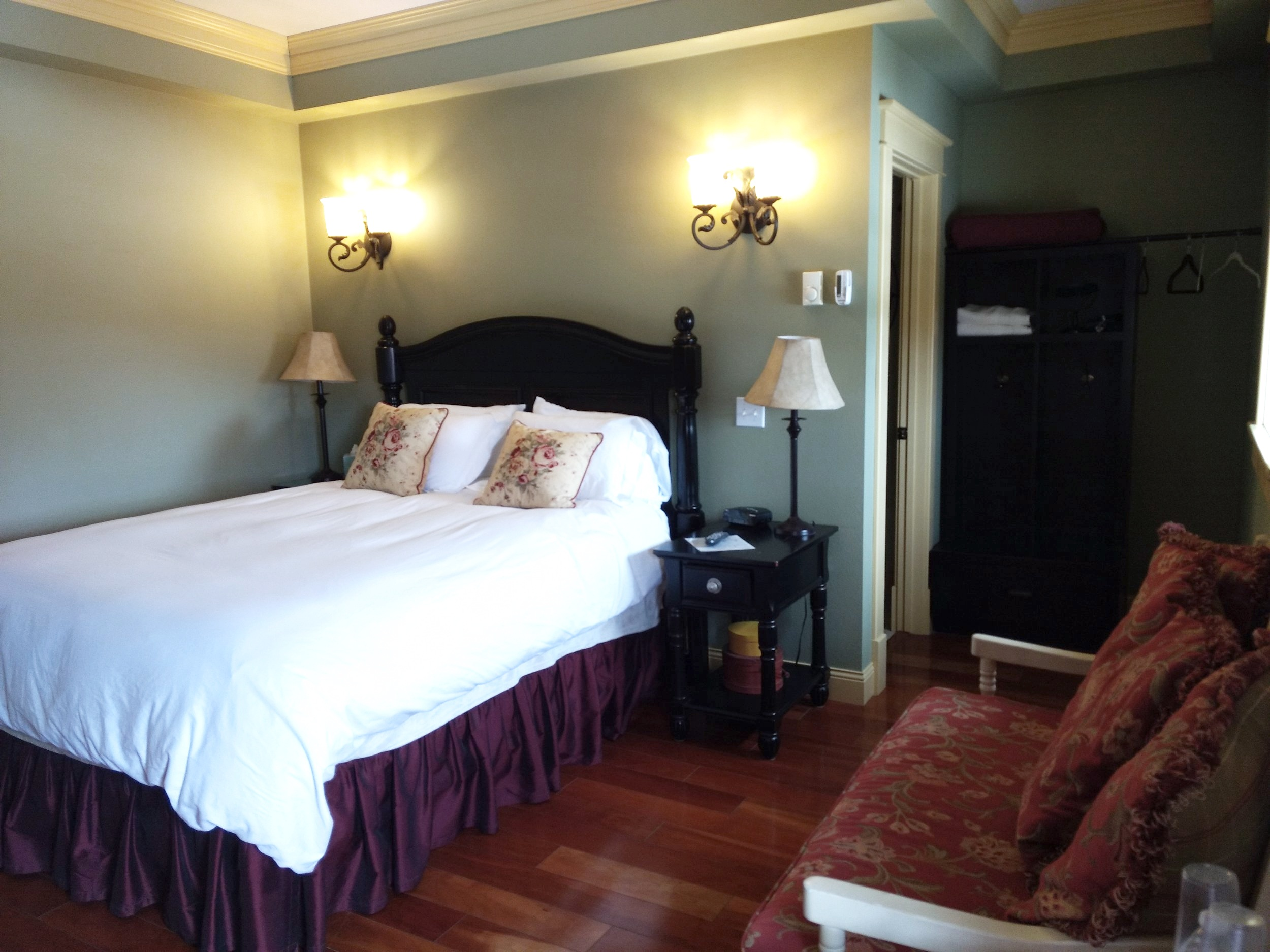 The Falls Room Bedroom