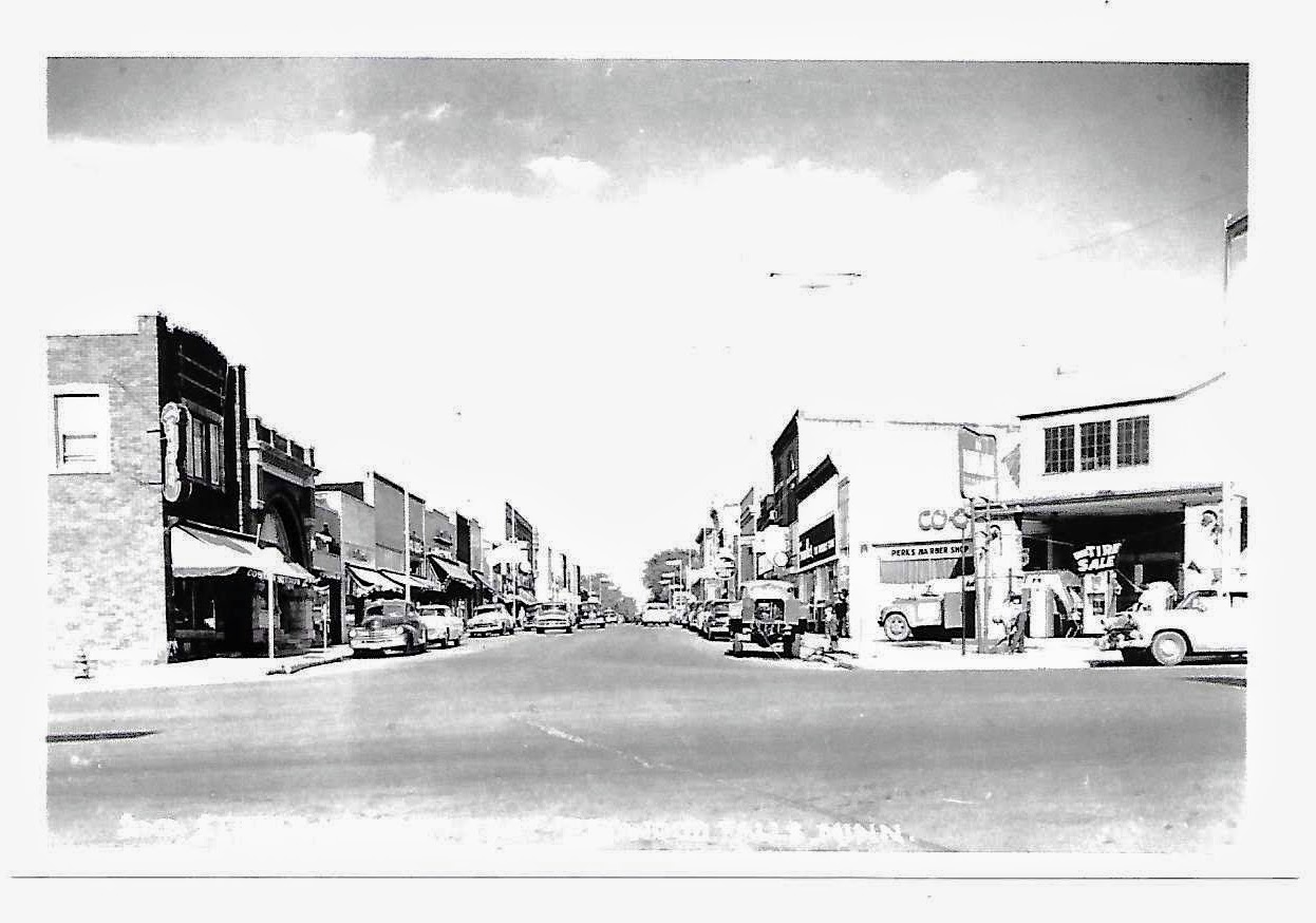 Downtown Redwood Falls - The second photography studio housed in the current building, Costain Studios, on the corner of 2nd Street in Redwood Falls. This picture is from sometime in the late 40s or the 50s.