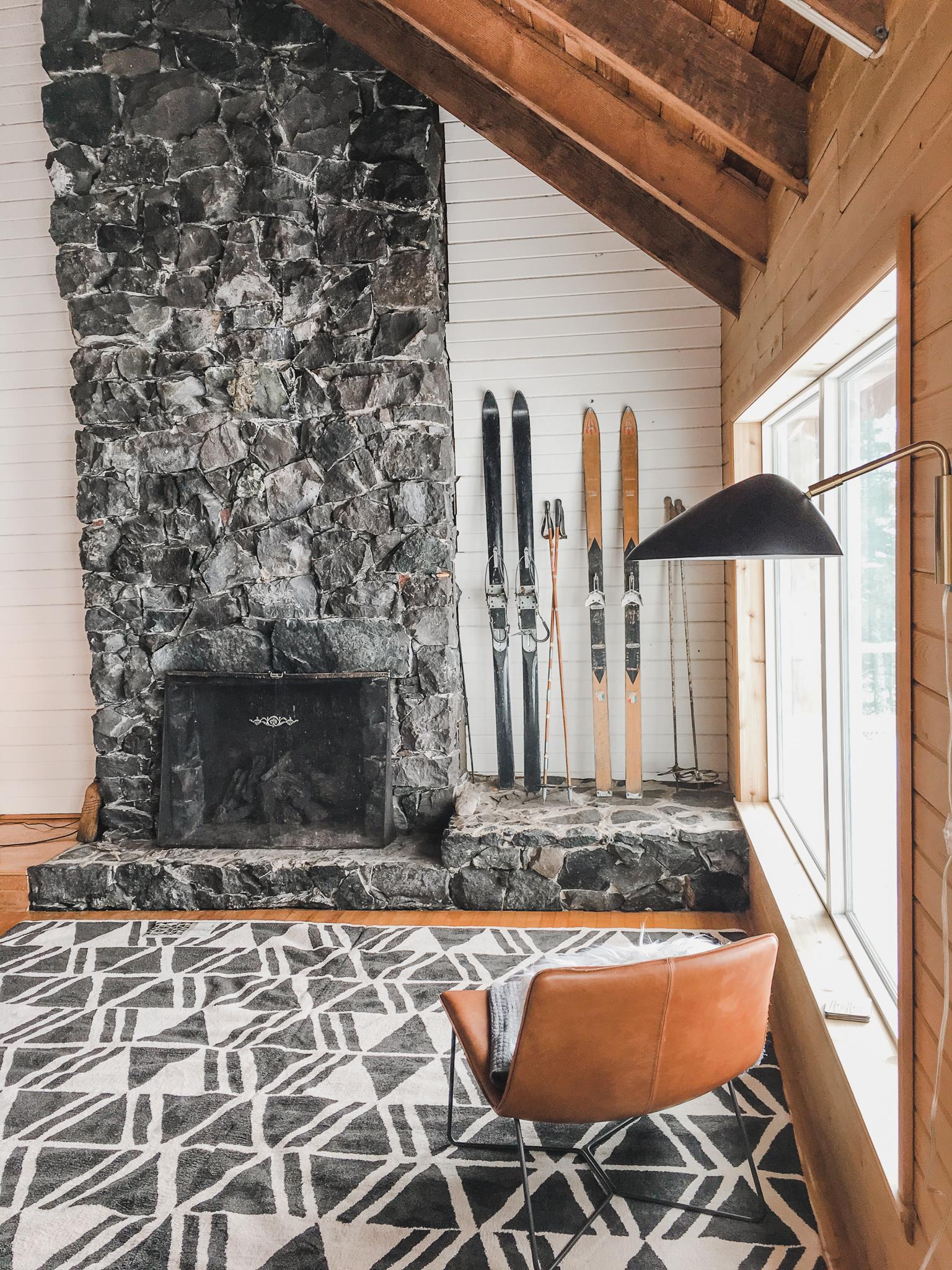 living-room-true-north-cabin.jpg