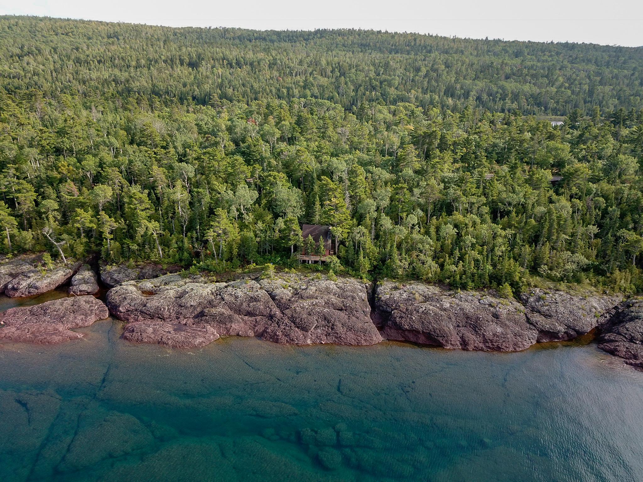 lake-superior-shore-true-north-cabin.jpg