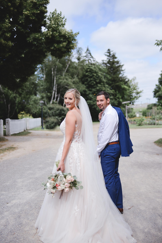 black creek pioneer village wedding photographer (18).jpg