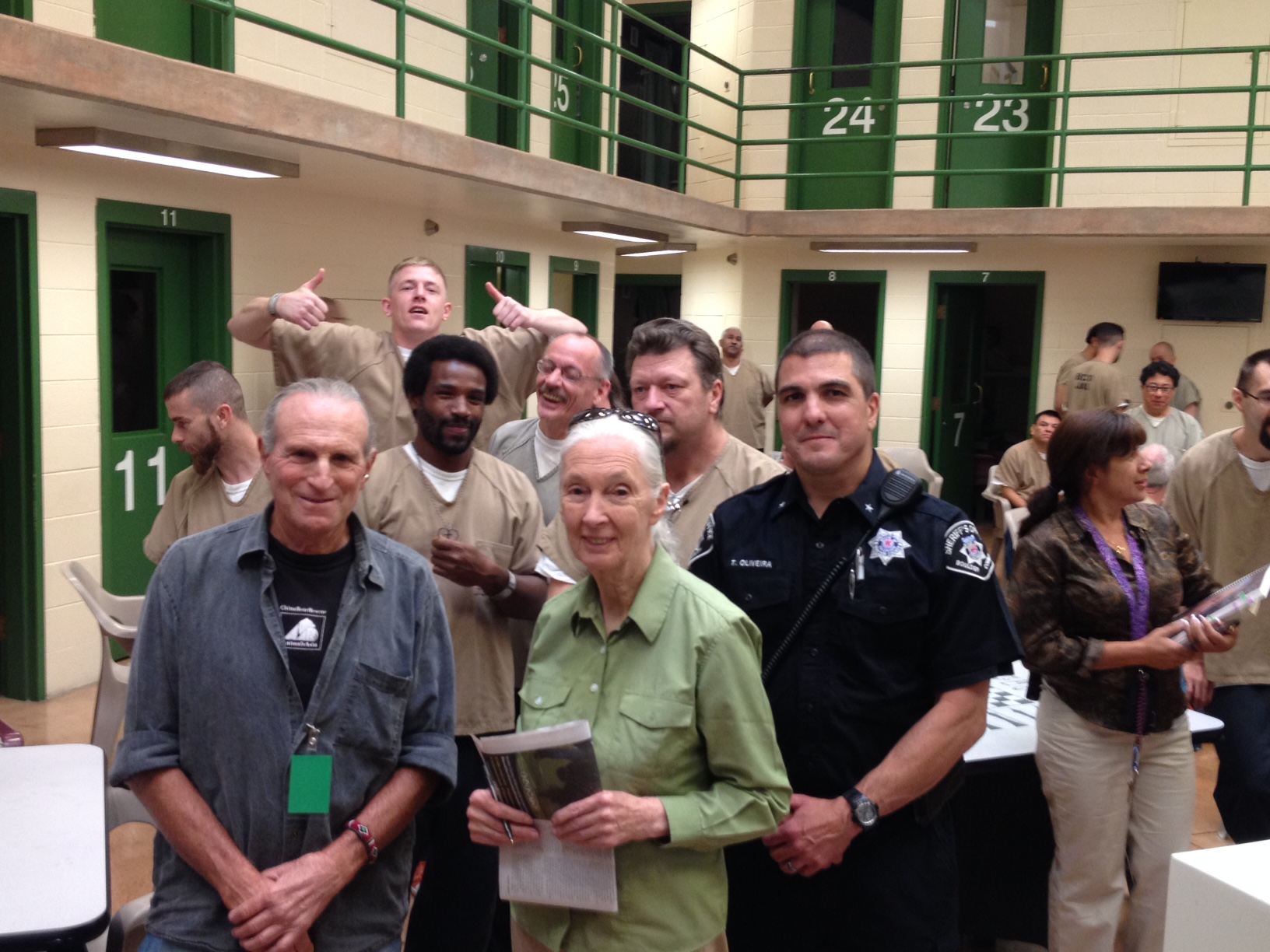 Jane Goodall visiting my class at the Boulder County Jail (Source: Marc Bekoff)