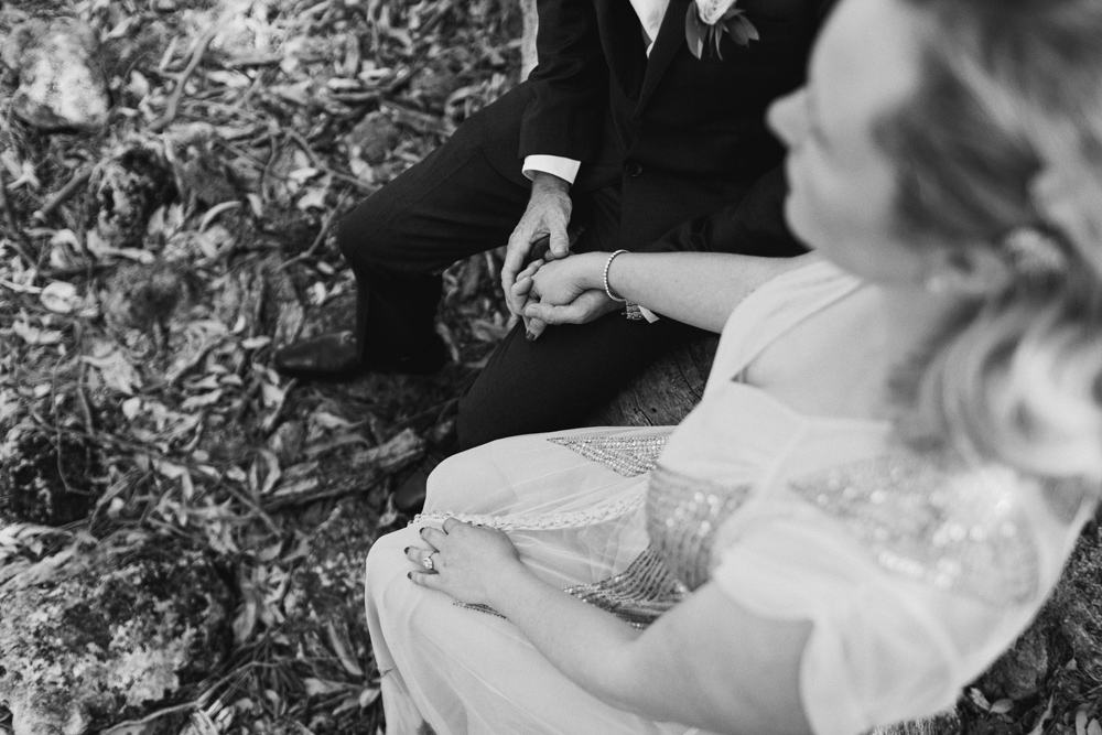 melissa_mills_photography_new_zealand_wedding_photographer_backyard_wedding019.jpg