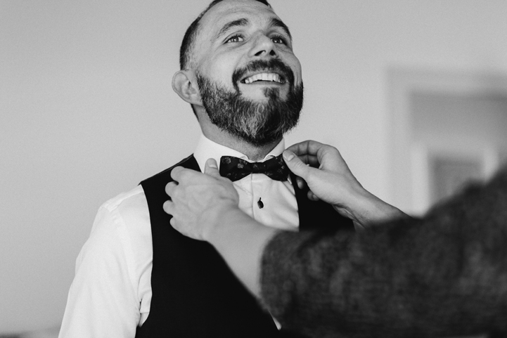 013-bride-groom-getting-ready-melissa-mills-photography.jpg