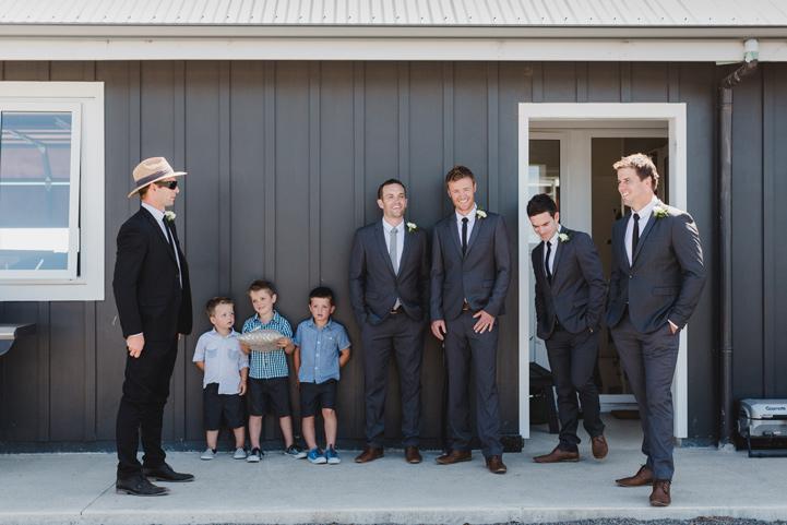 024-melissa_mills_photography_farm_wedding_new_zealand.jpg