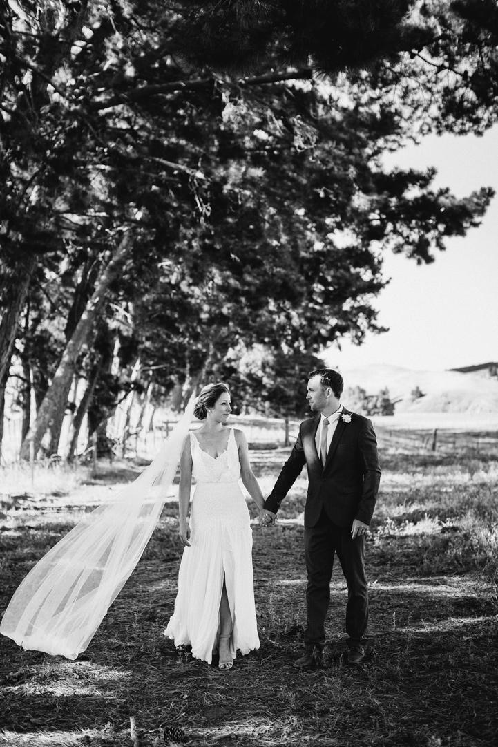 053-melissa_mills_photography_farm_wedding_new_zealand.jpg