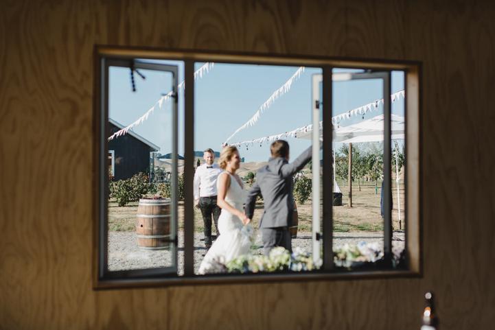 061-melissa_mills_photography_farm_wedding_new_zealand.jpg