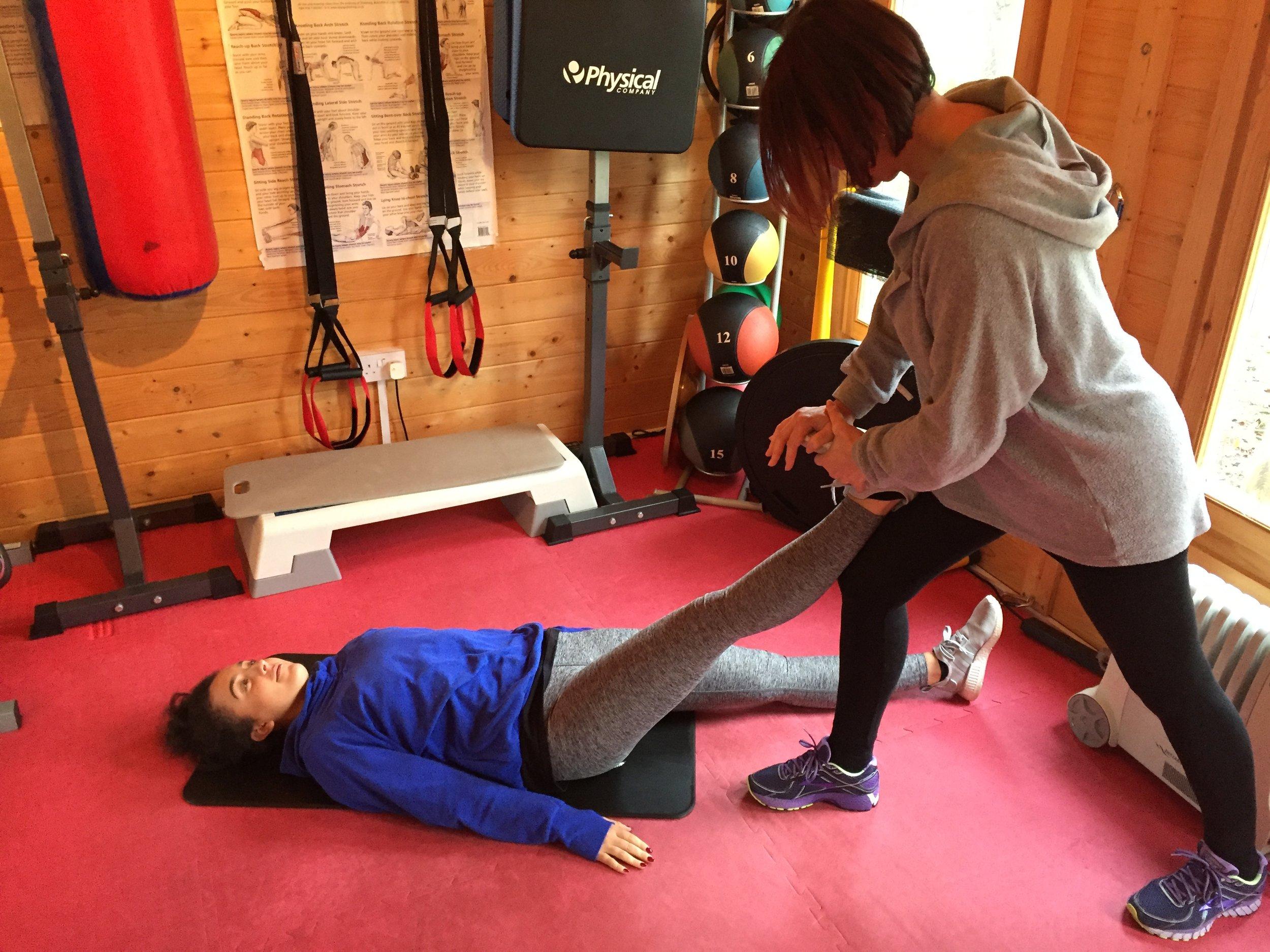 Personal Trainer Woking Stretching4.jpg