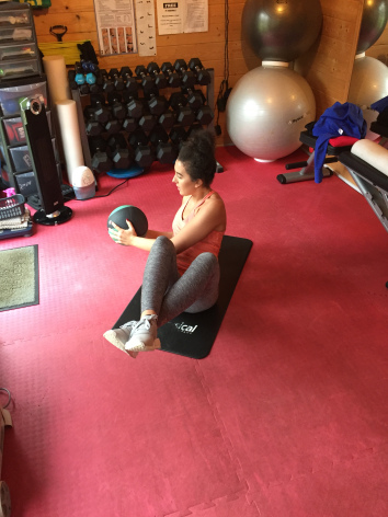 Core Training female personal trainer woking 1.jpg