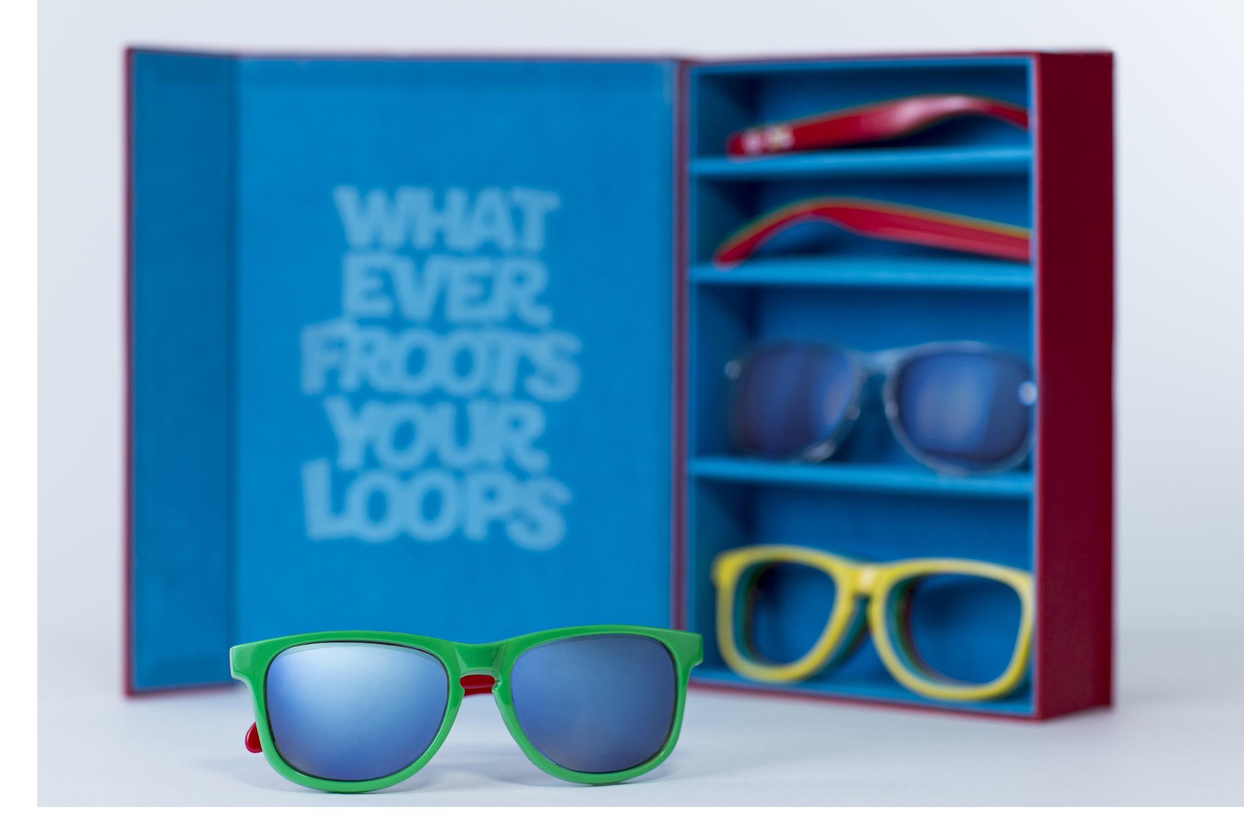 6885_BoxOpen_&_Glasses.jpg
