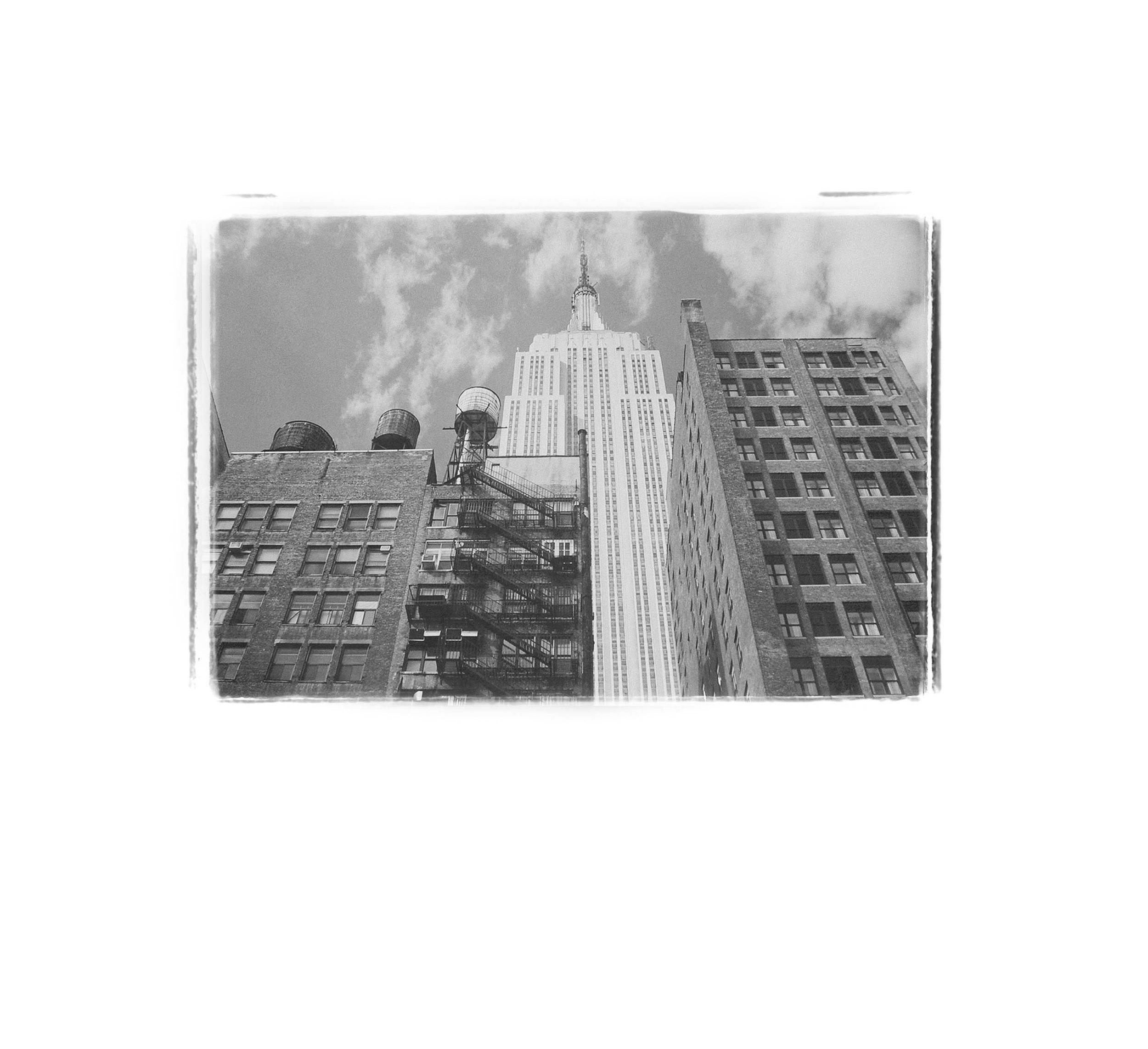 shane_deruise_alleyways_buildings_up.jpg