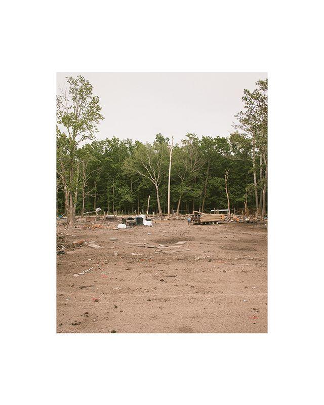 Desolate Roadways, may switch to black and white 📷🎞 | #4x5film #portra400  ________________ @newyorkerphoto @nytimes  @chamonixviewcamera  @kodak  @1000words_magazine @drivebyfilm @filmshooterscollective @the.analog.club • #photooftheday #northcarolinaphotographer #photography #photo #shanederuise #bravogreatphoto #picoftheday #documentaryphotography #conway #instagood #northcarolina #visualambassadors #portraitphotography #ghosttown #nc #desolateplaces #northcarolinaphotography #filmisntdead #portrafilm #kodakportra #architecturephotography #deepsouth #iso1200magazine #nc #northcarolina #roanokerapidsnc #conwaync #greenvillnc #murfreesboronc