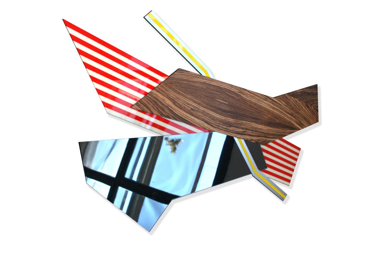 150 cm X 60 cm - Sculpture polyméthacrylate de méthyle, aluminium, bois, miroir.