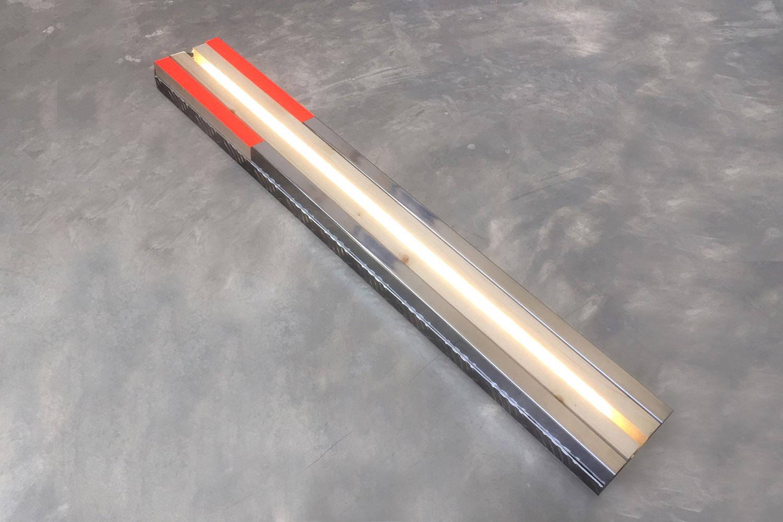 Sculpture / 70 X 10X 4 cm - inox - tape - wood - Led