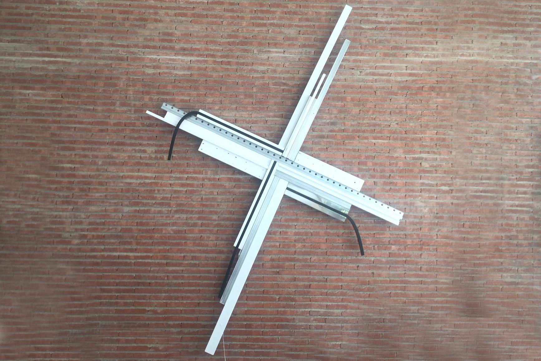 Sculpture / 300 X 220 cm X 8 cm inox - aluminium - tape - wood - rubber - LED