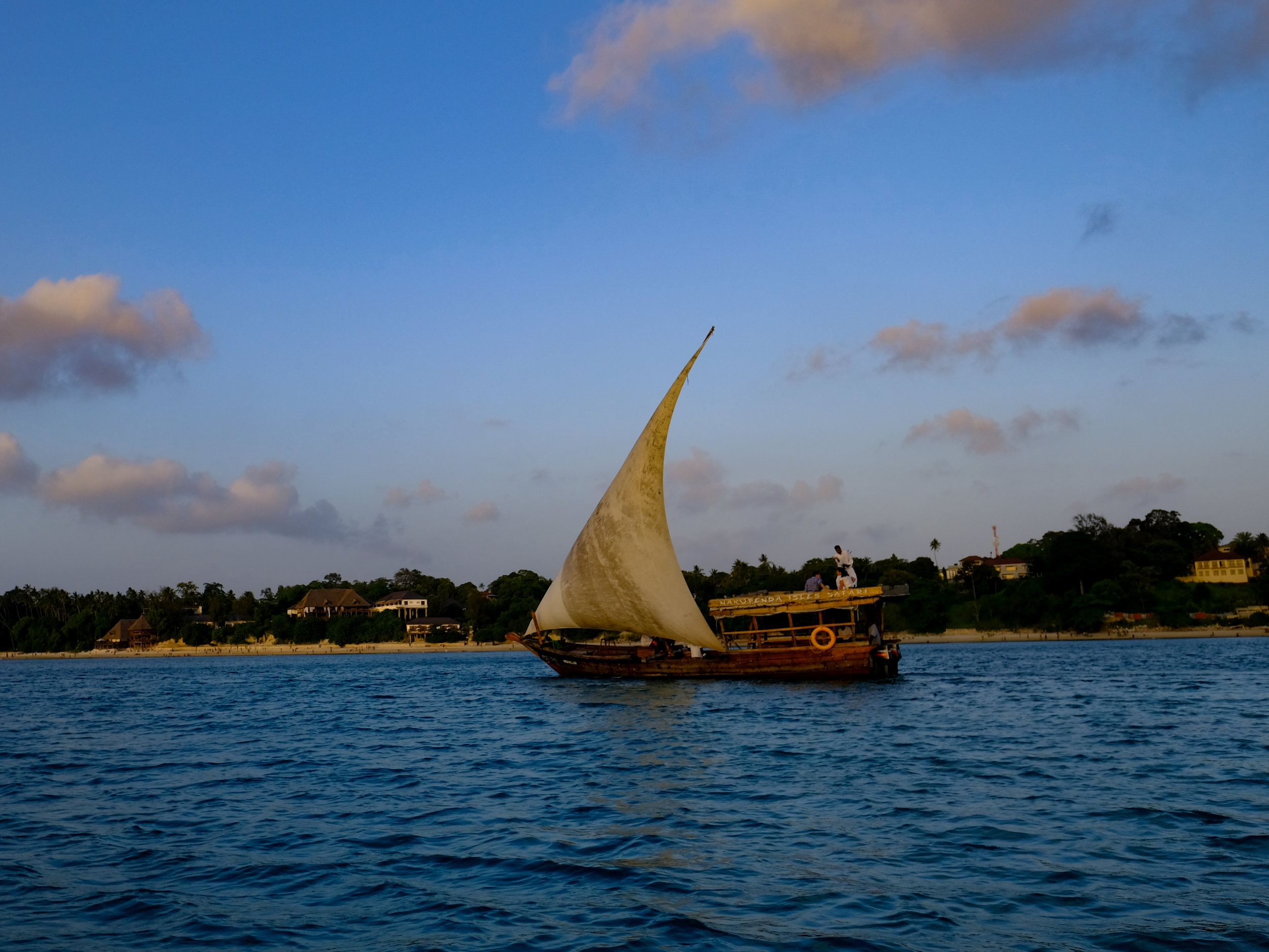 <p><strong>Tanzania</strong>Authentic Zanzibar in 5 days.<i></i></p>