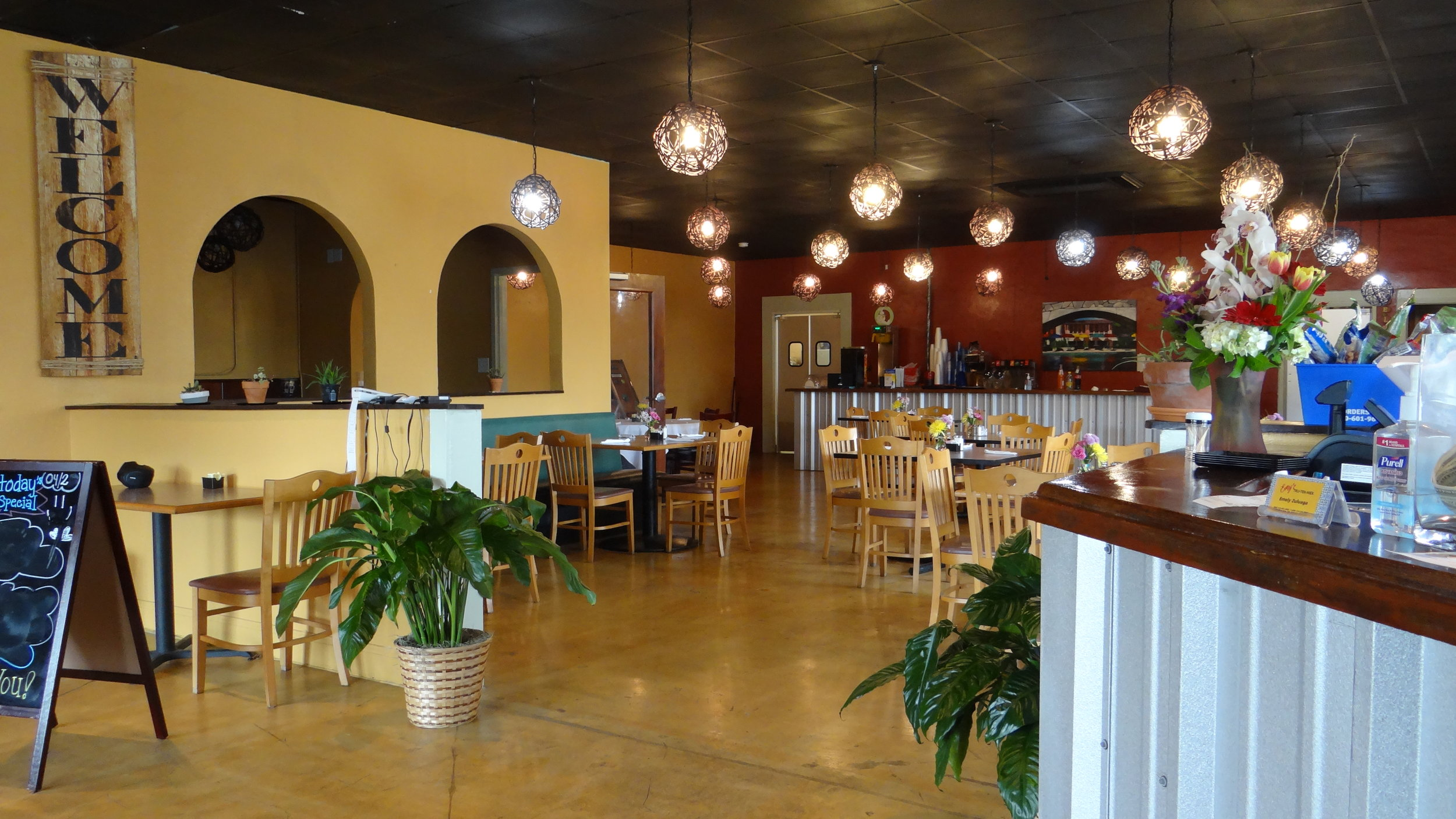AVAILABLE NOW: PREMIUM RESTAURANT SPACE WITHIN PARK NORTH SHOPPING CENTER