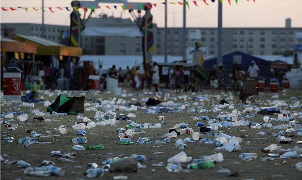 festival-trash.jpg