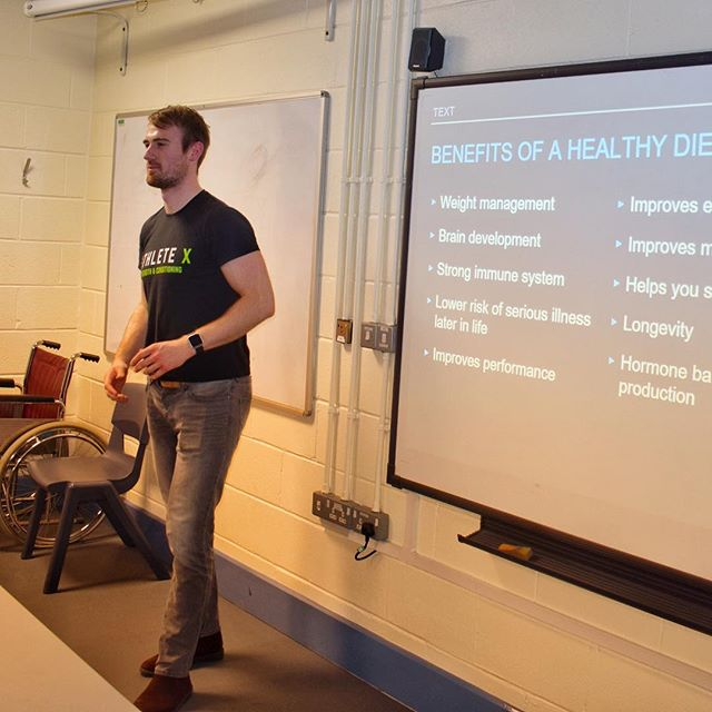 It was great to give a talk last week to students at Belfast Met College on childhood nutrition and the impact that diet can have on the development of a child. - Main takeaways: - 🔹nutrition and diet can impact on a child before they even exist through the diet of the Mum! - 🔹A significant chunk of brain development occurs in the first 3 years of life - starting off by feeding an infant rice cereal is not an optimal way to fuel this process. - 🔹healthy sources of fats such as avocado and egg yolk should be prioritised in the diet for optimal brain development. - #nutritionist #nutrition #presentation #diet #performancecoach #healthyeating #childhoodnutrition #kidsdiet #foodforthought #braindevelopment #belfast #northernireland #ireland #uk #belfastmet