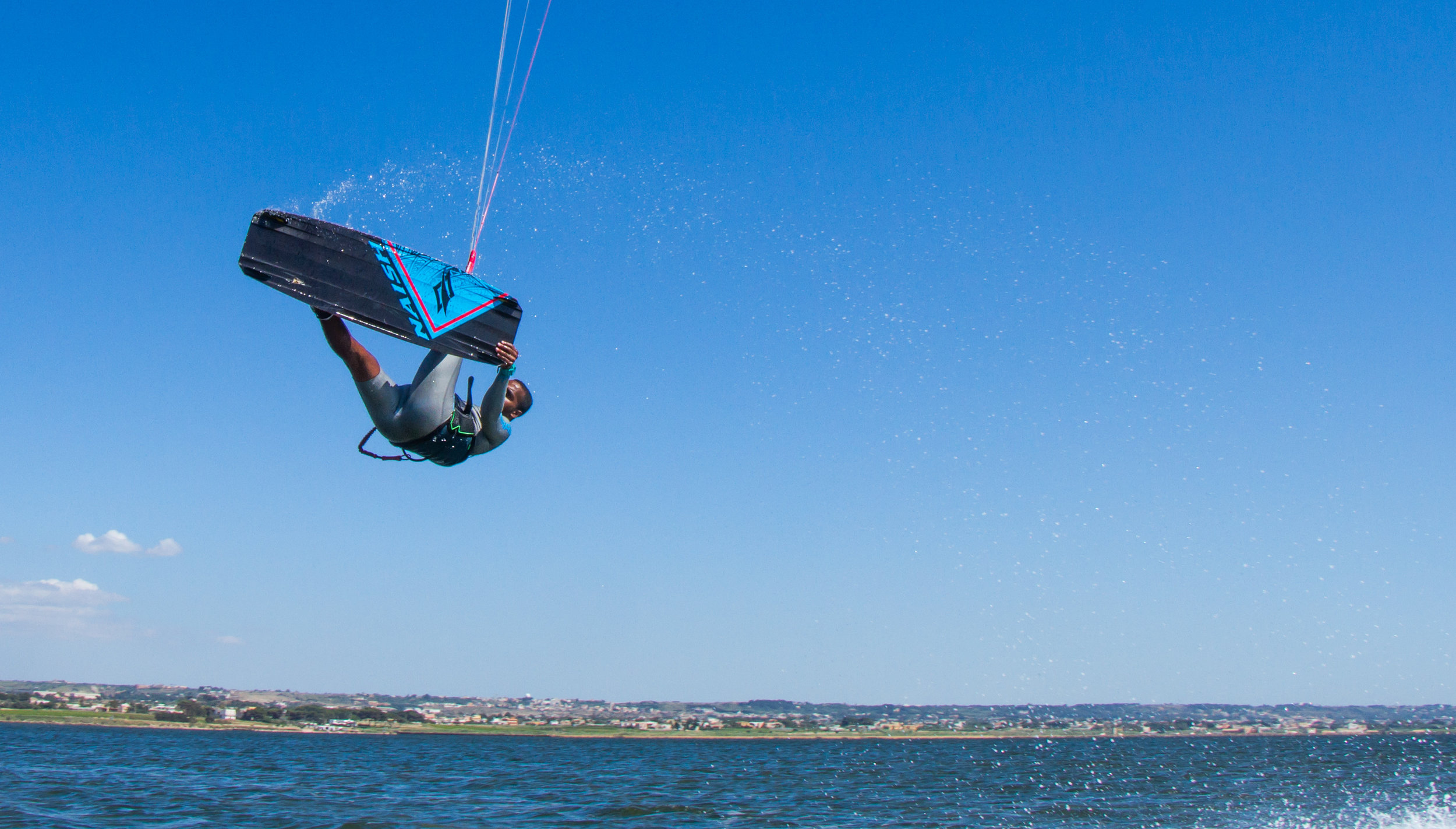 - The most famous spot for kiting in Sicily is called Lo Stagnone: a huge and shallow lagoon that is able to catch basically all the wind directions!