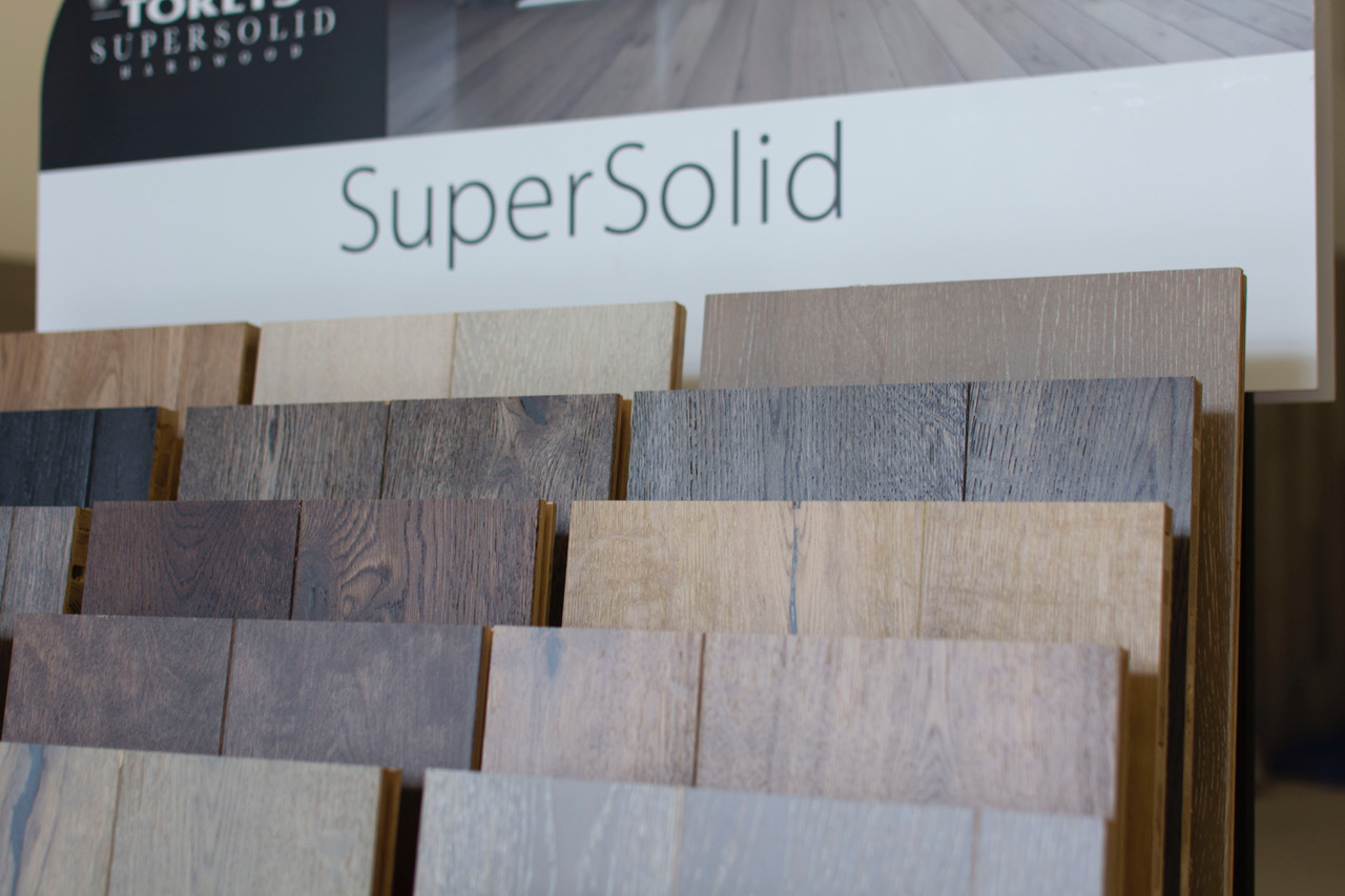 Stunning. Sustainable. Superior. - TORLYS SuperSolid flooring is made out of 100% precision-engineered hardwood to reduce environmental impact and provide the best hardwood experience. Its long, wide planks use E-Lock technology for stability and long-lasting performance. With a best-in-class Klumpp topcoat, every plank is protected and lasts for decades. SuperSolid 5 is stylish and eco-friendly. SuperSolid 6 is a collection of white oak and birch colour variations. SuperSolid 7 is a collection of exclusively crafted hardwood planks available in white oak and birch colour variations. TORLYS patented E-Lock Hardwood Core ensures superior performance for decades and the 100% hardwood core adds stability and lasting beauty for all flooring collections.