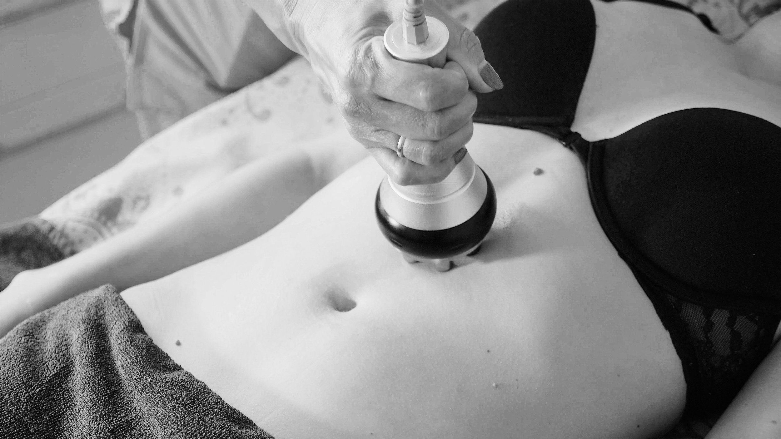 Hardware_figure_correction._Machine_cosmetology._Anti-cellulite_program_for_health_and_slimming 2.JPG