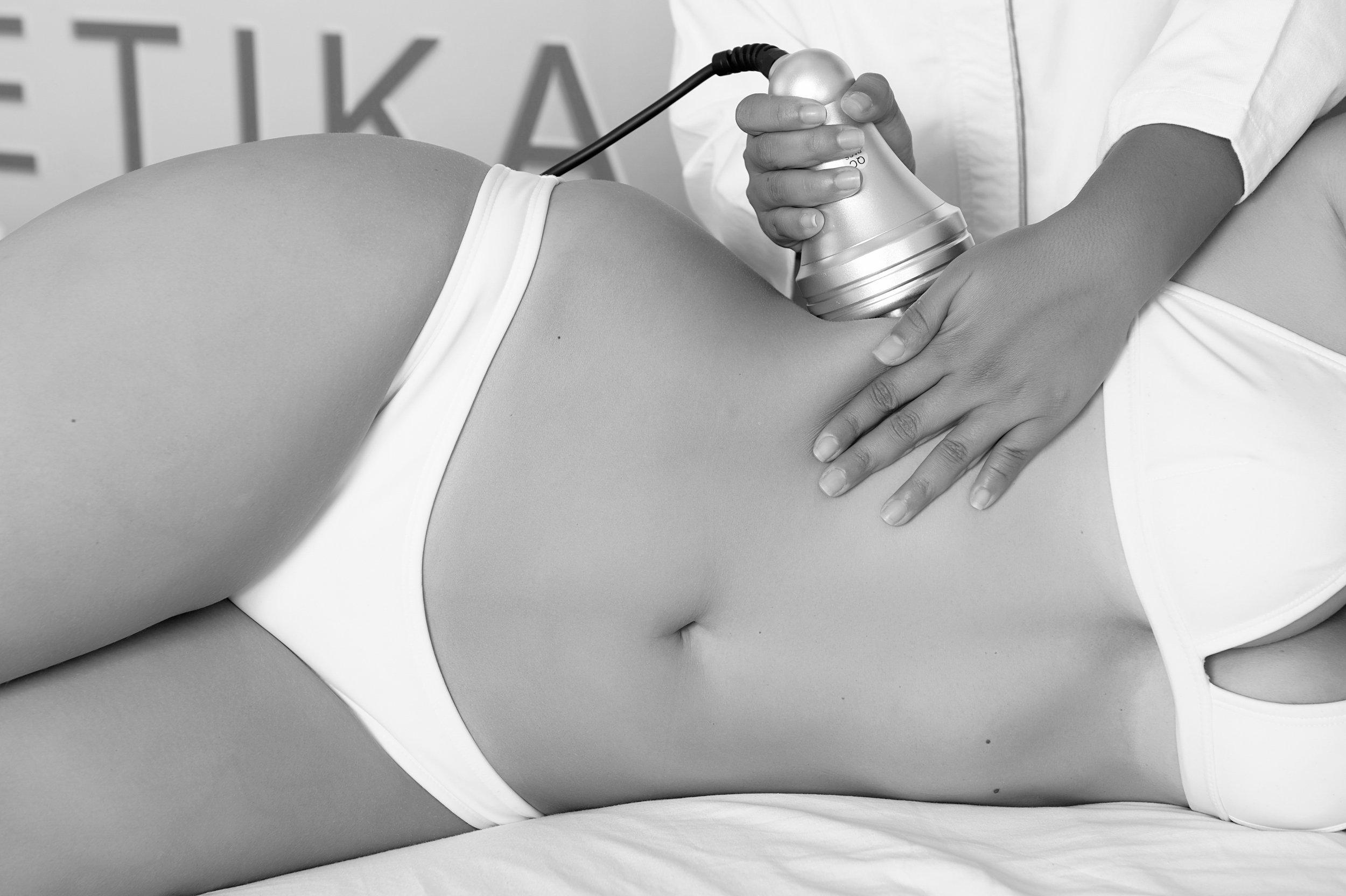 Female_model_receiving_aesthetic_treatment.JPG