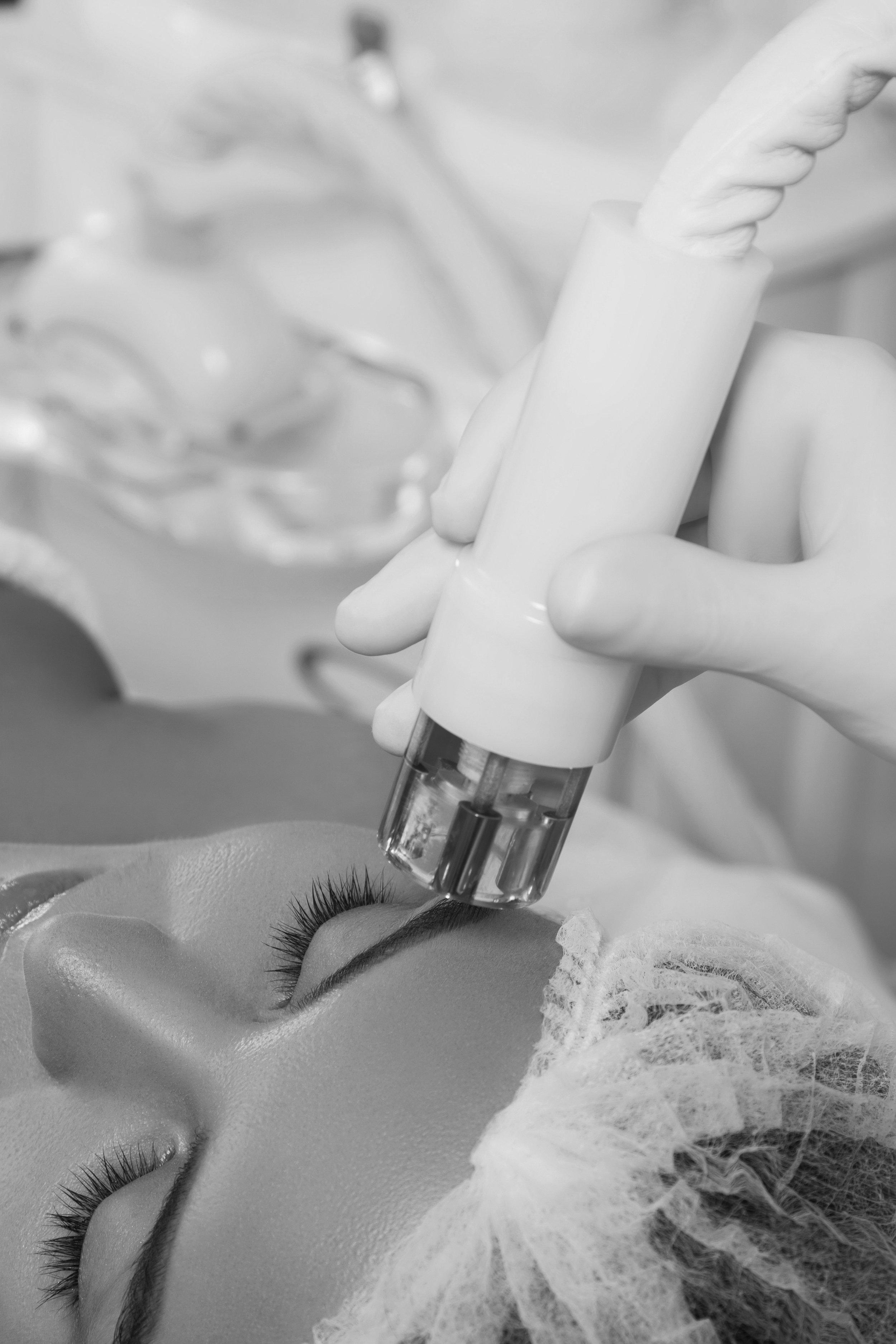 Beautiful_woman_in_professional_beauty_salon_during_rejuvenation_procedure_ 2.JPG